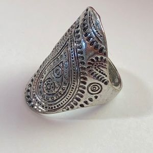 ♠️♠️Silver Statement Ring Size 7♠️♠️